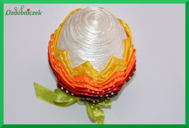 Jajko wielkanocne karczoch ze sznurka i tasiemek
