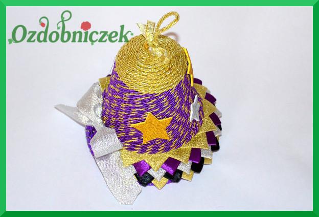 dzwonek bożonarodzeniowy ze sznurka i tasiemek