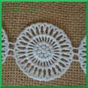 Biała koronka -ROZETA 6 szt
