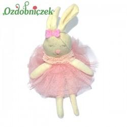Króliczek w tiulowej różowej sukience 17cm zawieszka