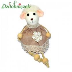 Owieczka w sukience beżowo koronkowej 17cm zawieszka