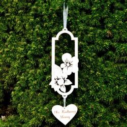 Zawieszka z kwiatami i sercem DLA MAMY, ze sklejki