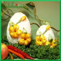 Kraszanka Kwiatowa jajko -10 cm biała + żółte kwiatki
